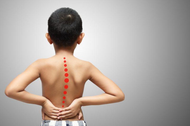 Профилактика болей в спине у детей: не садитесь и начинайте двигаться